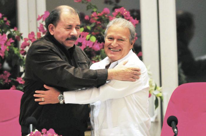 Los dos exguerrilleros que son presidentes en Centroamérica, Daniel Ortega en Nicaragua y Salvador Sánchez Cerén en El Salvador. Ninguno de los dos brinda conferencias de prensa. LA PRENSA/ ARCHIVO
