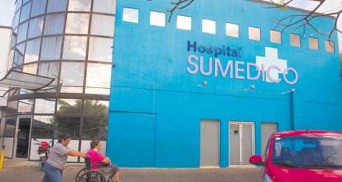 Asegurados que eran atendidos en Sumédico  pasarán al Hospital Militar por órdenes del INSS. LA PRENSA/U. MOLINA