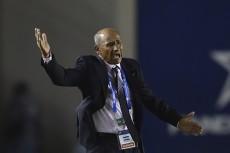 Henry Duarte destacó el trabajo de sus jugadores ante Belice. LA PRENSA/AFP/RODRIGO ARANGUA
