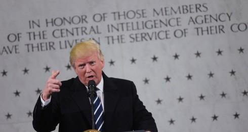 Donald Trump en su discurso en las instalaciones de la CIA. LA PRENSA/AFP