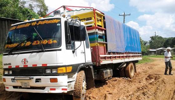 El transporte colectivo está paralizado en la zona de Nueva Guinea, debido a las constantes lluvias que han arruinado los caminos. LA PRENSA/CORTESÍA