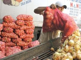 La libra de cebolla se ofrece en los mercados de Managua a 25 córdobas y hace dos días el precio era de 20 córdobas.