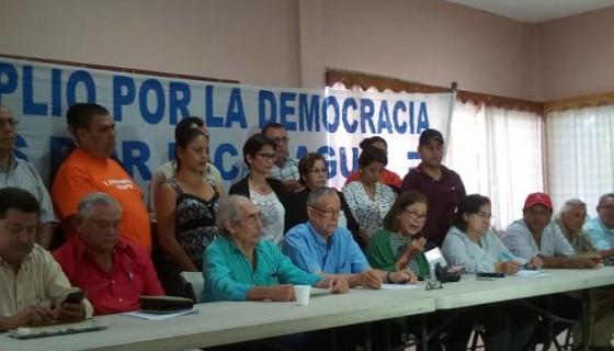Miembros del FAD anuncian que organizarán juntas directivas municipales. LAPRENSA/A. Baltodano.