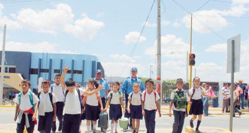 Los llamados cubos de concreto en la Panamericana, a su paso por la ciudad de Ocotal, serán removidos. LA PRENSA/A. LORÍO