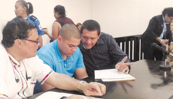 La doctora Isabel Mayorga leerá el lunes la sentencia para Félix Alberto Herrera (en medio). LA PRENSA/S.MARTÍNEZ