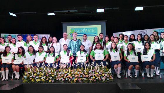 Un total de 35 jóvenes forman la primera graduación del programa Supérate en Nicaragua. LA PRENSA/C. TÓRREZ