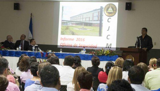 Los trabajadores de los juzgados en Managua, evaluaron el trabajo realizado el año pasado. LA PRENSA/J. FLORES