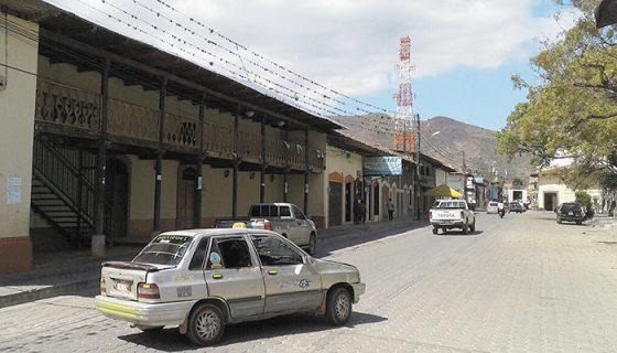En Ocotal las autoridades han comenzado a sancionar a todo aquel conductor de transporte selectivo que sea denunciado por los usuarios. LA PRENSA/A. LORÍO