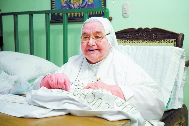 Sor Emilia Rachela murió este viernes 10 de febrero a los 90 años. Dos colegios y proyectos sociales son su legado. Hoy domingo será la misa de cuerpo presente a las 2:00 p.m. en la Catedral de Managua. Posteriormente será sepultada en Sierras de Paz.