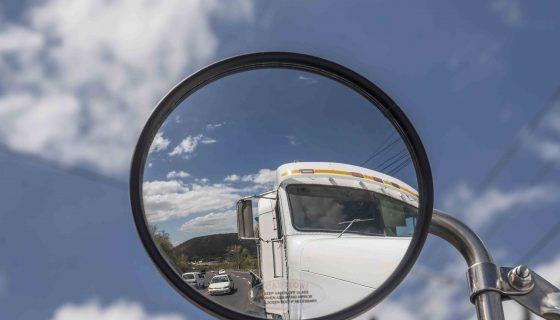 Con el cierre de la intersección de Las Piedrecitas, ha incrementado el volumen de tráfico por la cuesta El Plomo, que es una zona de derrumbe y peligrosa para circular. LAPRENSA/O.NAVARRETE