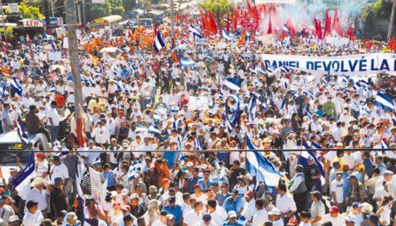 Manifestación en Managua en contra del fraude de las municipales en 2008, cuando el FSLN hizo fraudes en más de 40 alcaldías, según Ética y Transparencia. LA PRENSA/ARCHIVO
