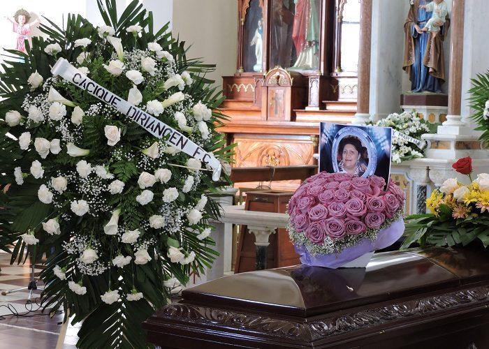 Diriambinos despidieron a doña Ángela Gutiérrez Chang, aficionada y colaboradora del Diriangén. LA PRENSA/MYNOR GARCÍA