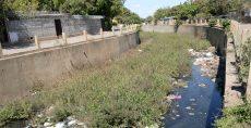 La localización de desechos en los cauces de Managua complican más la capacidad hidráulica de estos frente a considerables volúmenes de agua, porque muchos son obsoletos. LAPRENSA/C.VALLE