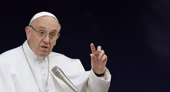 El papa Francisco habló sobre la fidelidad a Dios. LA PRENSA/AFP