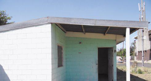 Esta es una de las casas abandonadas en el sector del barrio Santo Domingo de Managua, según vecinos, por falta de pago. LA PRENSA / A. FLORES