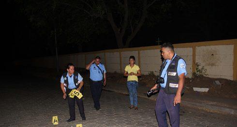 Las autoridades se presentaron al lugar para hacer las investigaciones correspondientes. LA PRENSA/Eddy López