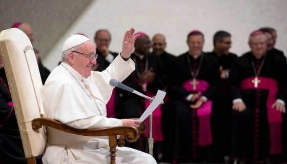 """El papa Francisco criticó recientemente la """"doble vida"""" de los católicos. LA PRENSA/EFE"""