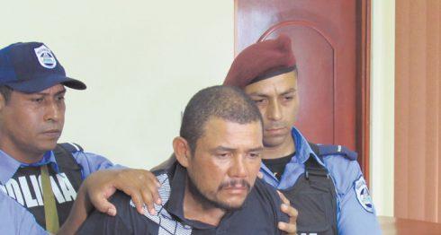 """La Policía presentó el domingo en Managua a Herlio José Jarquín Cortez, de 40 años, alias """"Furia y Toro"""". LA PRENSA/CORTESÍA"""