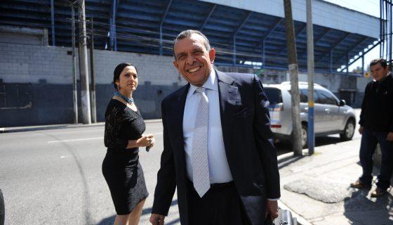 El exlíder del cártel narcotraficante Los Cachiros dijo en un Tribunal que pagó sobornos al expresidente hondureño Porfirio Lobo. LA PRENSA/AFP
