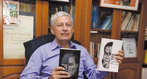Francisco Javier Bautista Lara da a conocer su libro de investigación Último año de Rubén Darío II Parte Honduras y Panamá, Lara.LAPRENSA/CARLOS VALLE