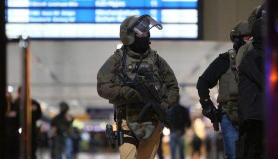 Comandos militares. LA PRENSA/EFE