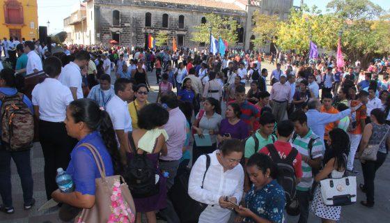 Más de 24 mil estudiantes iniciaron su primer día de clases en la Unan-León. LAPRENSA/E. López