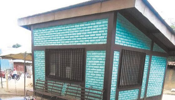 El puesto de salud se improvisó en julio pasado porque el Centro de Salud estaba saturado de pacientes con dengue y chikungunya, pero ahora pretenden ampliarlo y dejarlo funcionando ahí. LA PRENSA/CORTESÍA