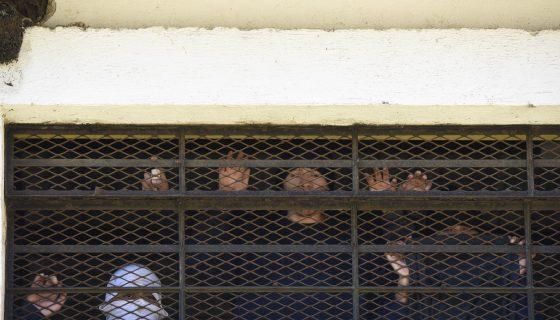 Algunos reclusos se mantienen en incertidumbre luego del motín en el Centro Juvenil de Privación de Libertad para Varones Etapa II (Cejupliv), en Guatemala. Este lugar es un centro para jóvenes en conflicto con la ley a cargo de la Secretaría de Bienestar Social de la Presidencia (SBS). LA PRENSA/AFP