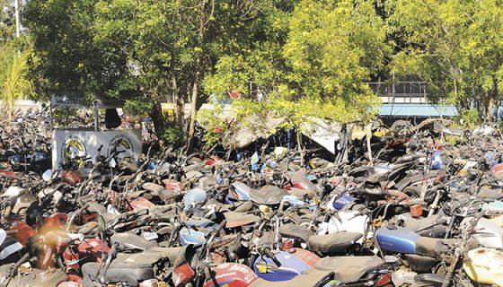 Por falta de dinero o no tener todos los documentos, los dueños de motos han dejado perder su medio de transporte en el Depósito Vehicular, ubicado en el costado este del estadio Denis Martínez, en Managua. LAPRENSA/W.LÓPEZ