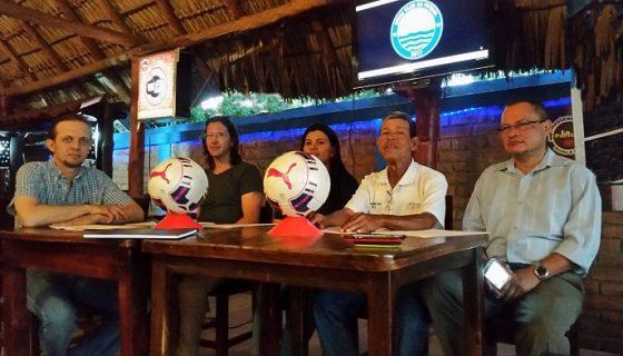 Giovanni Caprotti, Silverio Bosch, Karla Gaitán, Ramón Ruiz y Boanerges Álvarez de la junta directiva. LAPRENSA/ CORTESÍA/ RIVAS CF