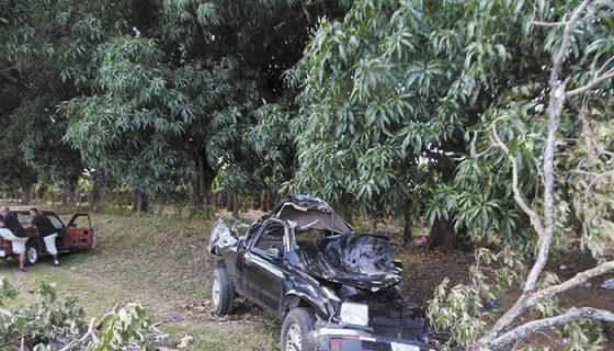 La camioneta impactó contra un taxi que invadió el carril. LA PRENSA/ARCHIVO/R. VILLARREAL