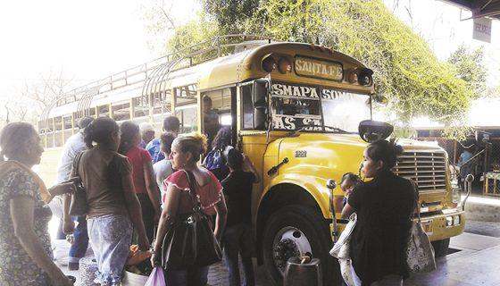 Usuarios de buses expresos lamentan que hay pocas unidades para viajar a Managua y que el servicio sea deficiente por el mal estado de las unidades. LA PRENSA/W. ARAGÓN