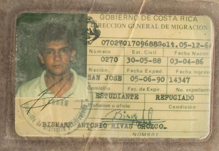 Carnet de refugiado de Bismark Rivas que le otorgó el gobierno costarricense. Foto: Cortesía / La Prensa