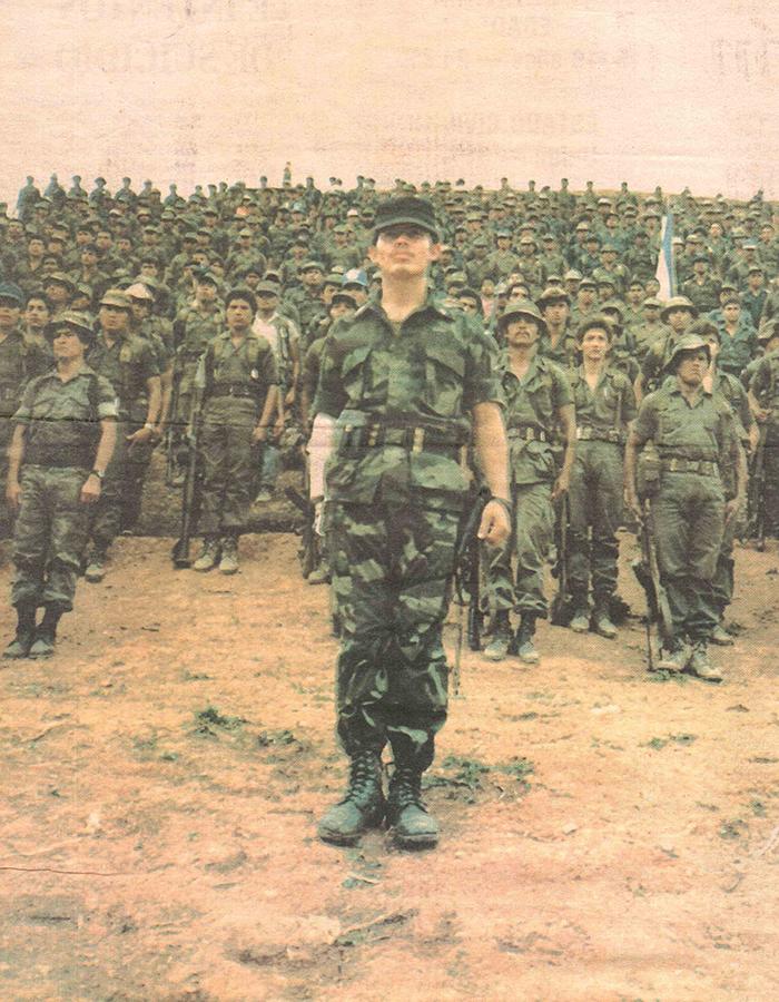 Luis Moreno, comandante Mike Lima, al frente de tropas contrarrevolucionarias. Foto: Cortesía / La Prensa