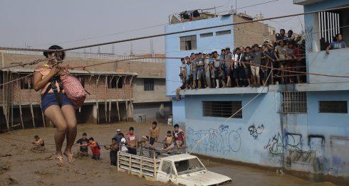 Los habitantes de Lima han vivido toda una odisea con los aludes. Perú. (AP Photo/Martin Mejia)
