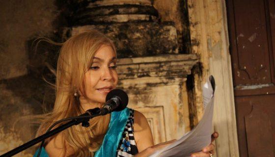 En esta tertulia literaria, Castellón estará acompañada de los poetas Marta Leonor González y Juan Sobalvarro. LA PRENSA/ARNULFO AGÜERO