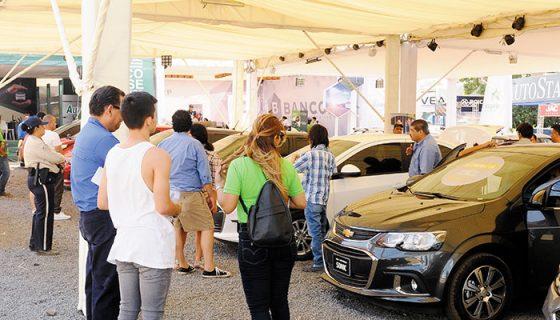 Durante cuatro días se realizó la Feria de Verano Andiva, cuya meta era colocar mil carros y 2,000 motos. Hasta el cierre de esta edición habían cumplido el objetivo de autos, pero están sujetos a aprobación del crédito. LA PRENSA/ W. LÓPEZ