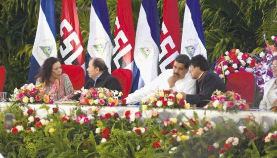 }Los gobernantes designados por el poder electoral, Daniel Ortega y Rosario Murillo, junto a los presidentes Nicolás Maduro, de Venezuela y Evo Morales, de Bolivia, en enero pasado. Alba