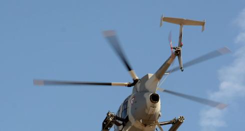 Un helicóptero artillado del Ejército Mexicano sobrevuela el cielo del Estado de Sinaloa. LA PRENSA / Agencias.