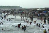 Veraneantes disfrutan de las playas en Chinandega