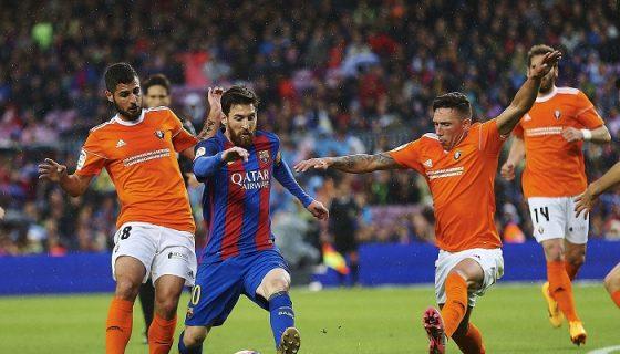 El argentino Lionel Messi marcó par de goles, para guiar al Barcelona a una goleada de 7-1 frente al Osasuna, en la jornada de la Liga española. LA PRENSA/EFE/Alejandro García