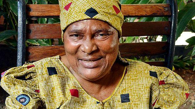 Tanzania, mujer que se hizo pasar por hombre