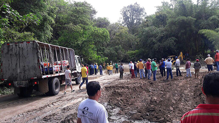 El desborde el río Achuapa ha sido provocado por la abundante cantidad de lluvia que ha caído en Nueva Segovia. LA PRENSA/A. LORÍO