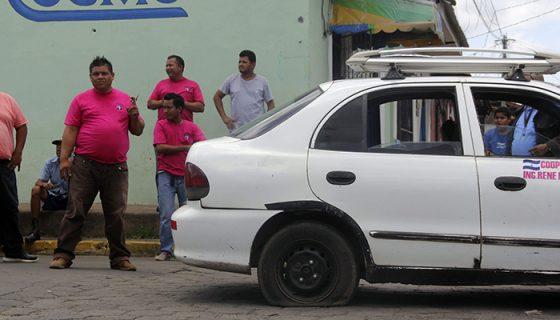 León, taxis piratas, taxis ilegales, taxistas piratas