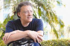 El novelista español Luis Leante también es autor de la celebrada novela Mira si yo te querré (Premio Alfaguara 2007) libro con más de siete ediciones.LAPRENSA/LISSA VILLAGRA
