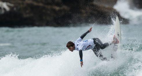 Kevin Cortez terminó en cuarto puesto de su heat de la ronda tres, en los Juegos Mundiales de Surf de Biarritz, Francia. LA PRENSA/CORTESÍA/BEN REED
