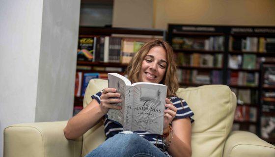 La escritora mexicana Ana Coello habla de su nueva novela de amor Tú, nada más, asimismo de sus experiencias en la plataforma de la biblioteca virtual Wattpad donde cuenta con más de 400 mil seguidores. LAPRENSA/CARLOS VALLE