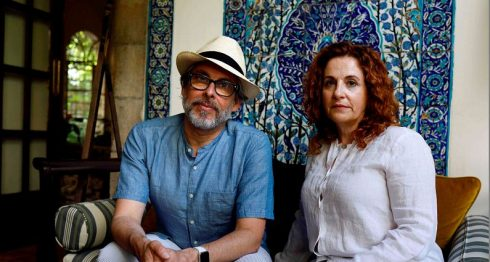El libro Un reino de olivos y ceniza editado por Michael Chabon circula en varios idiomas, incluyendo el español. LAPRENSA/AFP