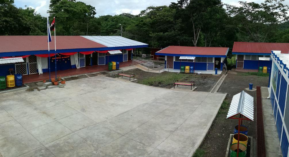 Inauguran escuela en comarca de Boaco