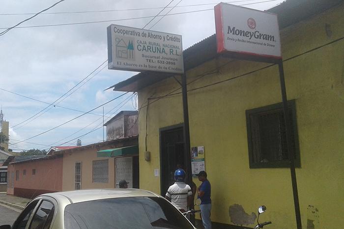 Sujetos roban dinero en Caruna de Jinotepe